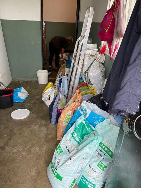 3 pallets voor Huellas con Esperanza 96712210