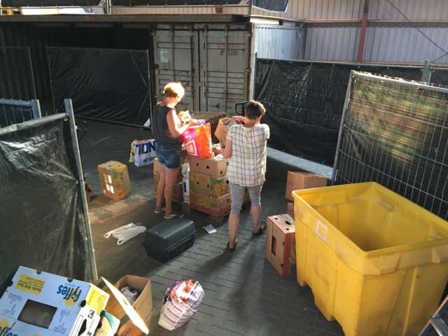 25 juni - Opbouwen pallets  Img_2215