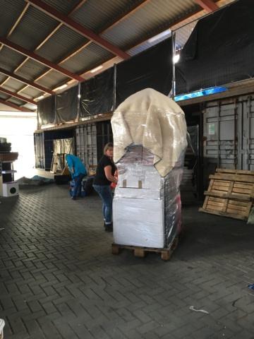 Zondag 27 sept opbouwen pallets  Img_4716