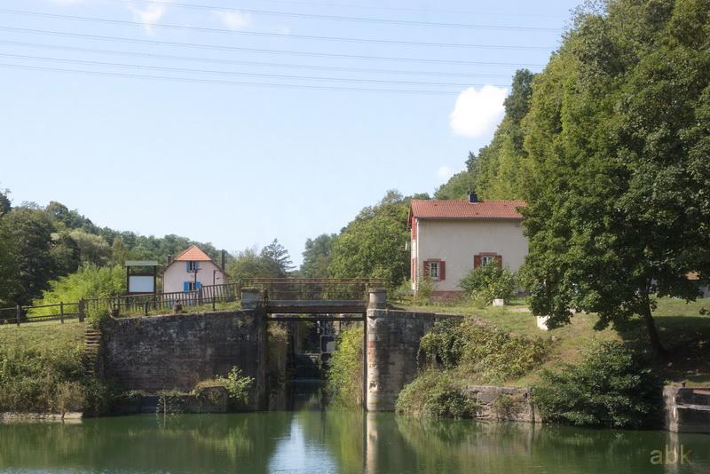 La Vallée des Éclusiers à Arzviller (57) - Page 2 31_zoc10