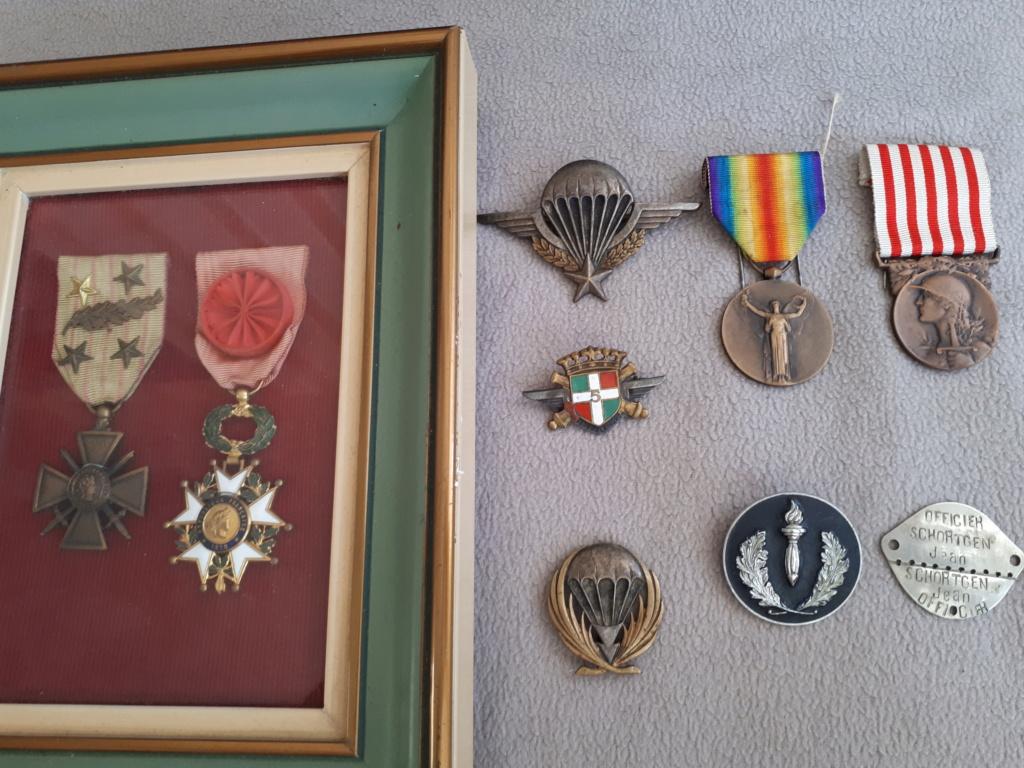 Dde de renseignements insignes et médailles  15868711