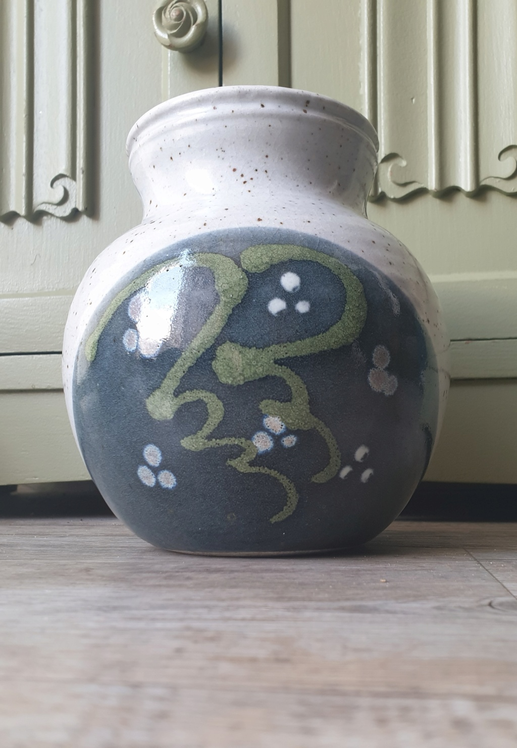 Studio Vase with PC mark  20210413