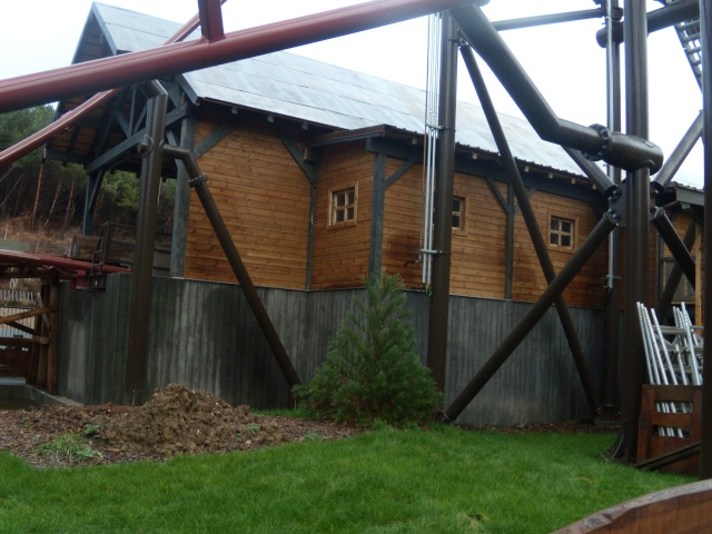 Nouveautés 2011 - Timber drop (Nouveau coaster) - Page 10 Dscn9210