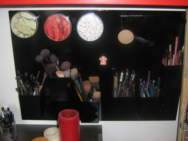 Mes idées rangements cosmétiques Violet11