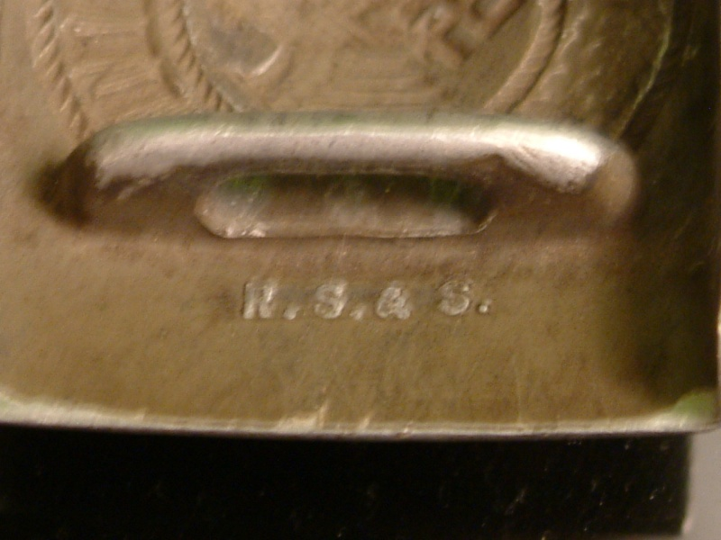 Vos boucles allemandes Heer/luft/KM/SS/HJ Dscf1730