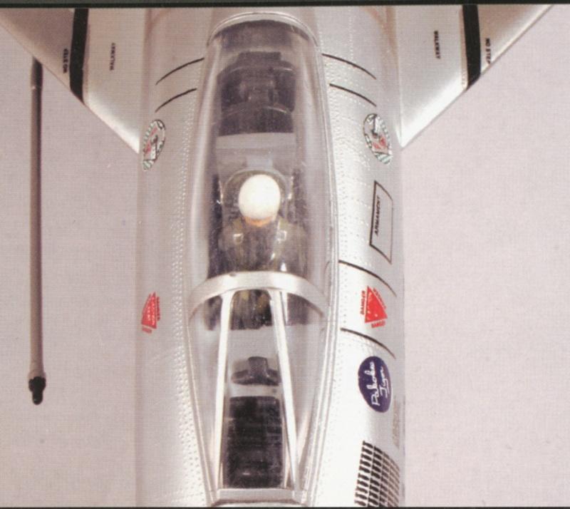 North American F-100A, première série. 02_f-110