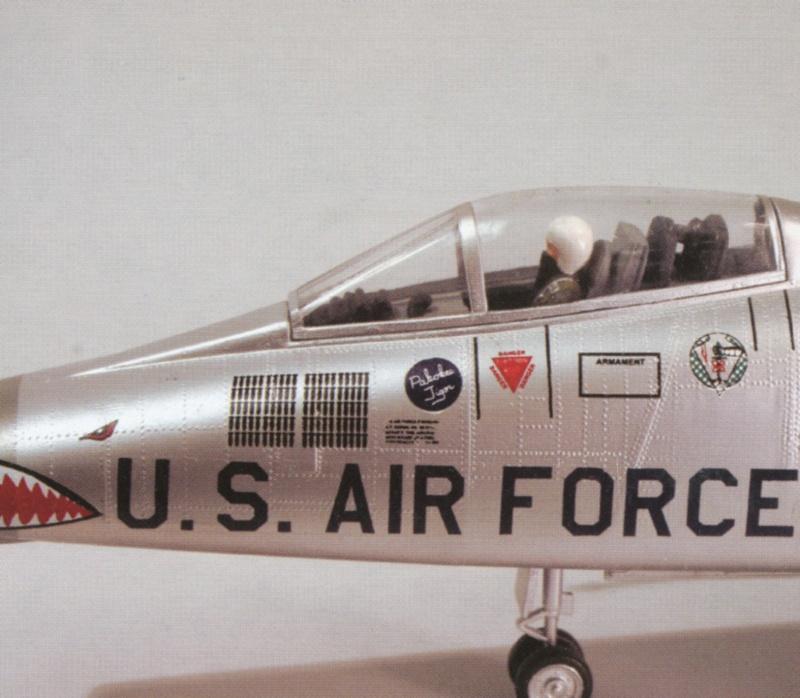 North American F-100A, première série. 03_f-110