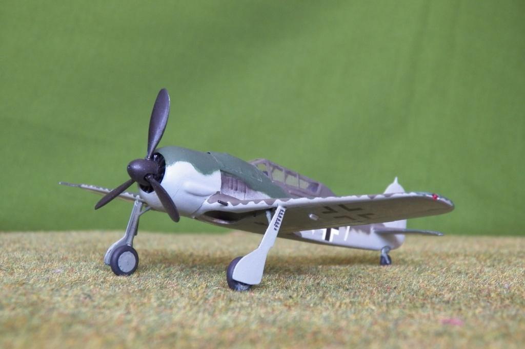 Focke Wulf Fw 190 S-8. Maquette Heller + Dauzié 100_1224