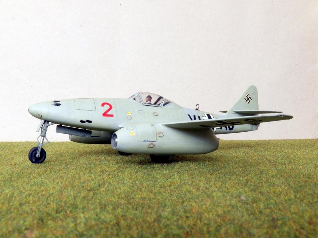 [Lindberg] - Messerschmitt Me 262 A-1a Schwalbe 100_2417