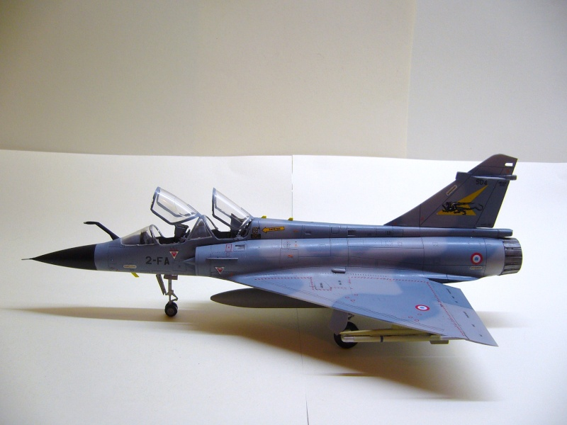 La vitrine de French Air Kit, les aéronefs aux couleurs françaises P1020214