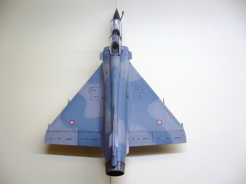 La vitrine de French Air Kit, les aéronefs aux couleurs françaises P1020217