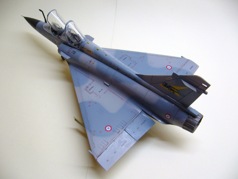 La vitrine de French Air Kit, les aéronefs aux couleurs françaises P1020220