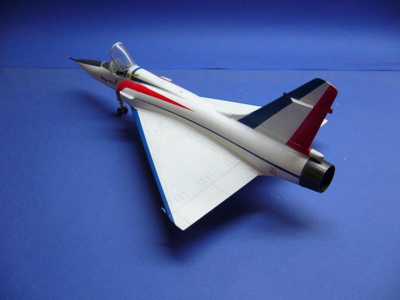 La vitrine de French Air Kit, les aéronefs aux couleurs françaises P1020430