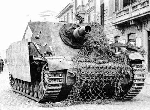 Sturmpanzer IV - Brummbär ! 0_f4a910