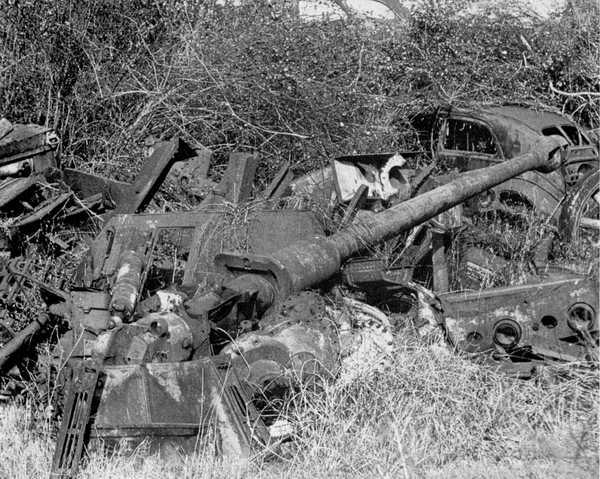 Panzer Wreck - Normandie 1944 1trun-11