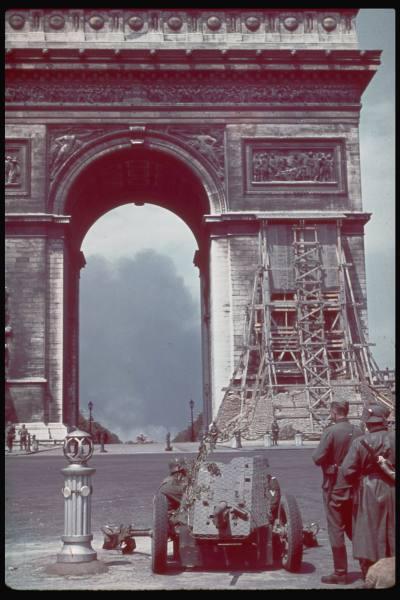 Reportage - PARIS sous l'occupation 228e6c10