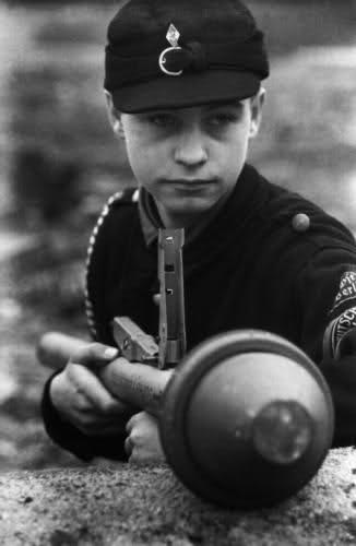 Les Jeunesses hitlériennes - Les enfants du Reich !!! 2edmaf10