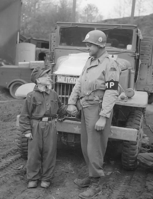 Les Jeunesses hitlériennes - Les enfants du Reich !!! 30528910