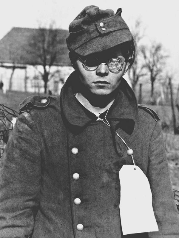 Les Jeunesses hitlériennes - Les enfants du Reich !!! 38003110