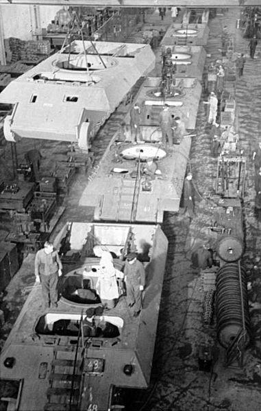 La Production des Panzer 381px-10