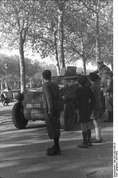 Reportage - PARIS sous l'occupation 398px110