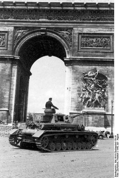 Reportage - PARIS sous l'occupation 402pxb10