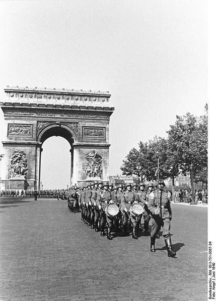 Reportage - PARIS sous l'occupation 429pxb10