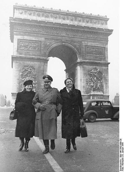 Reportage - PARIS sous l'occupation 430pxb10