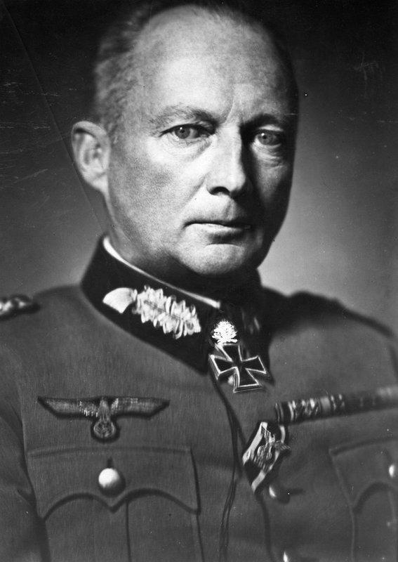 Hans Günther von Kluge 47910010