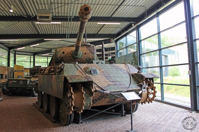 Panther - Liberty Park Oorlogsmuseum - Overloon Holland 4handl10