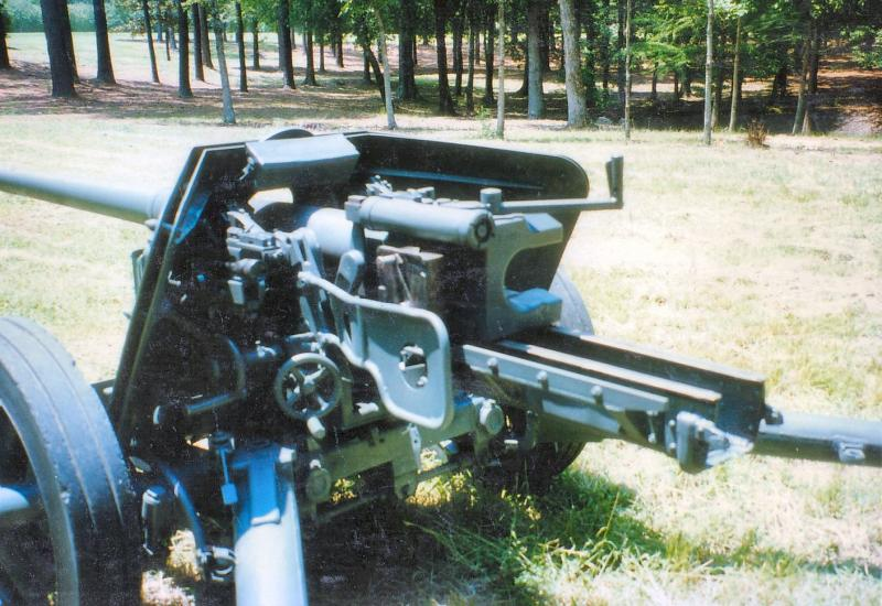 Pak 40 (Panzerabwehrkanone 40) - 75 mm 7-5cm_11