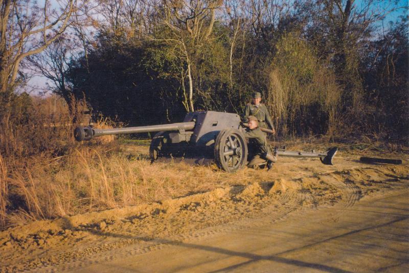 Pak 40 (Panzerabwehrkanone 40) - 75 mm 7-5cm_15