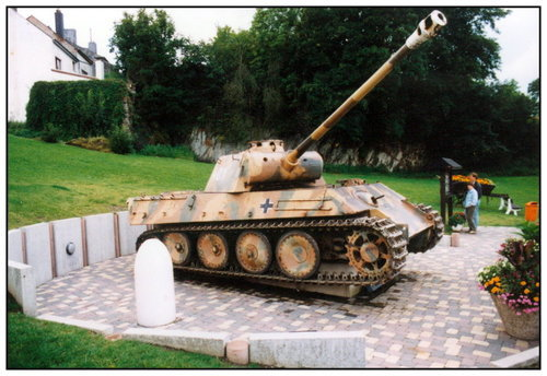 Houffalize - Panther Ausf. G - Belgique 73812714