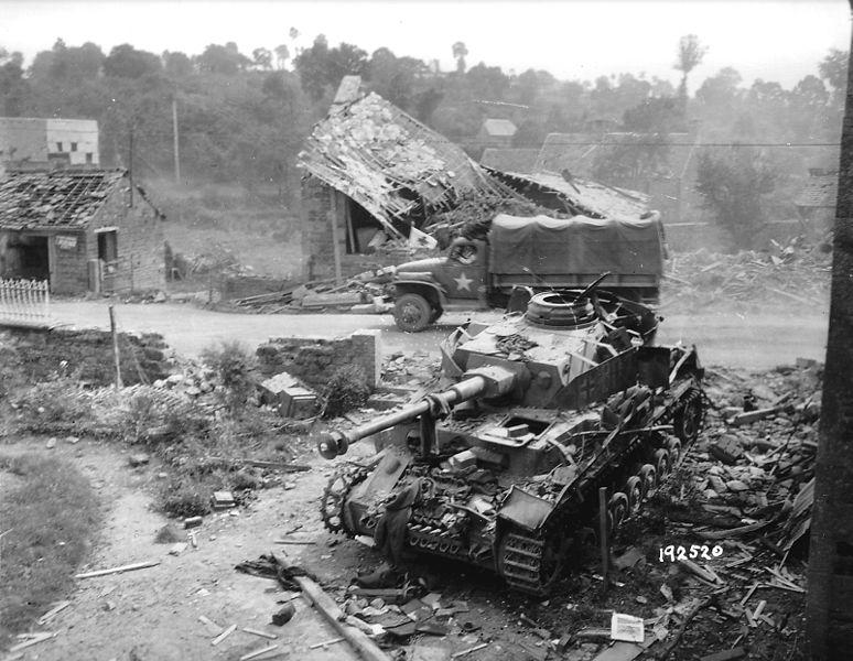 Panzer Wreck - Normandie 1944 774px-10
