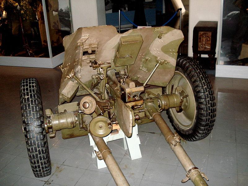 Pak 36 (Panzerabwehrkanone 36) - 37 mm 800px-16
