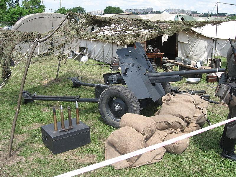 Pak 36 (Panzerabwehrkanone 36) - 37 mm 800px-18
