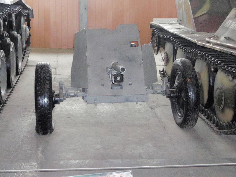 Pak 36 (Panzerabwehrkanone 36) - 37 mm 800px-20