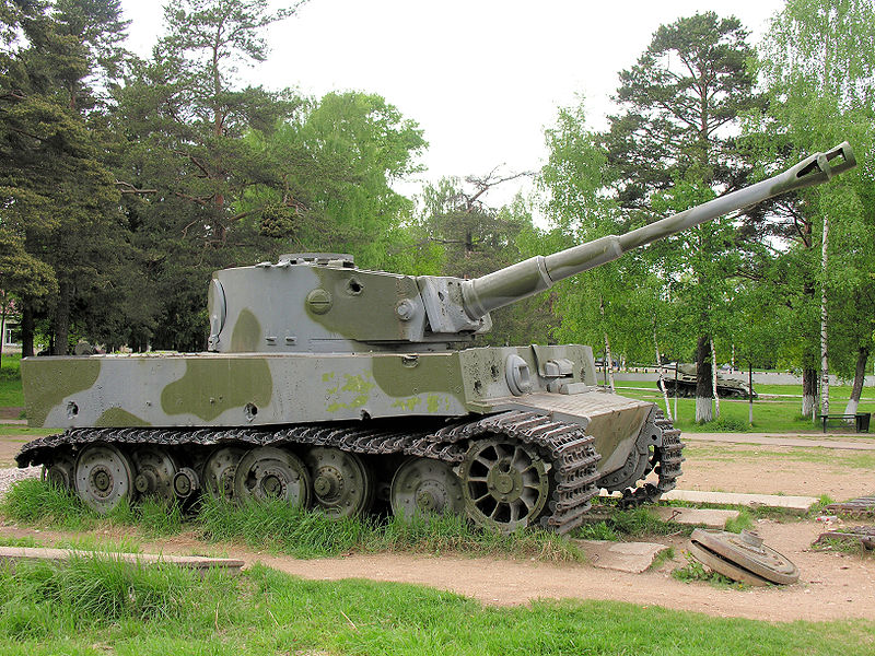 Tiger I - Snegiri Lenino - Russia _800px10