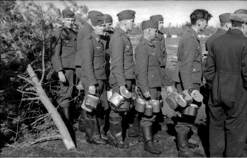HEER et Waffen - les Gamelles M1910 et M1931 A_la_g10