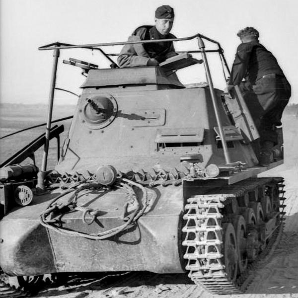 Panzerkampfwagen I - Panzer I Befehl12