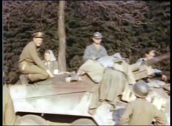 PEINTURES DU MATERIEL DE GUERRE ALLEMAND 1939-45 Bscap011