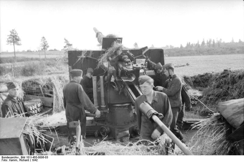Bundesarchiv - Luftwaffensoldaten beim Stellungsbau - russia 1942 Bunde149