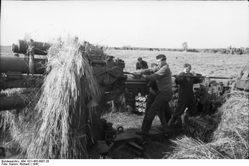 Bundesarchiv - Luftwaffensoldaten beim Stellungsbau - russia 1942 Bunde152