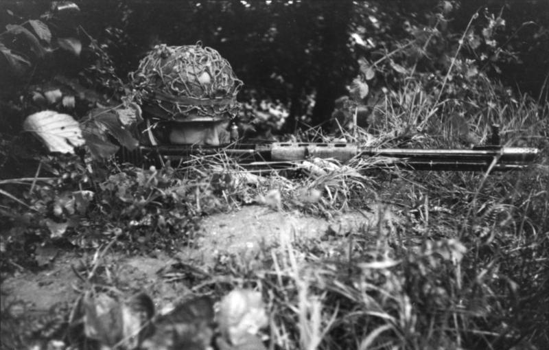 Fallschirmgewehr 42 - FG42 Bundes35