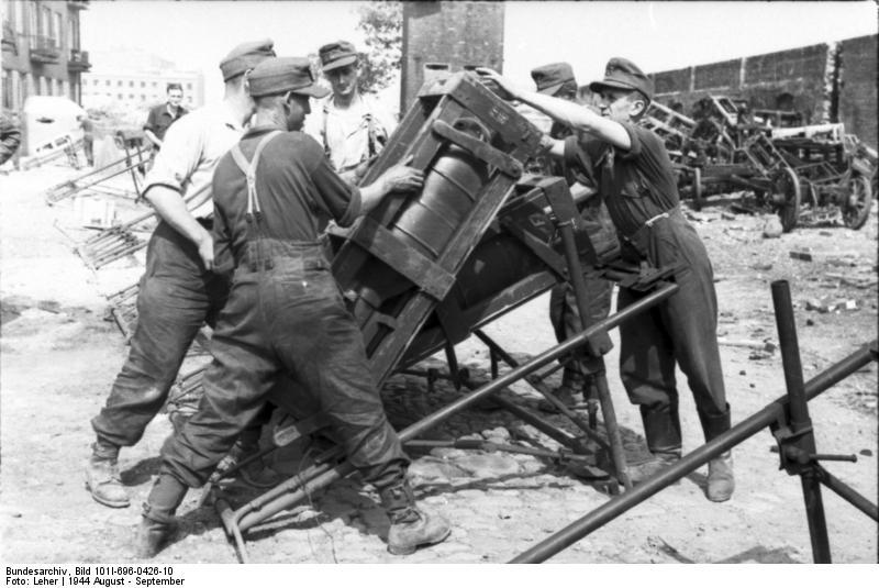 Reportage - Bundesarchiv - Raketenwerfer !!!  Bundes71