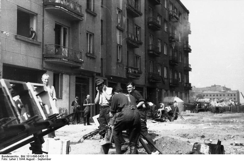 Reportage - Bundesarchiv - Raketenwerfer !!!  Bundes73