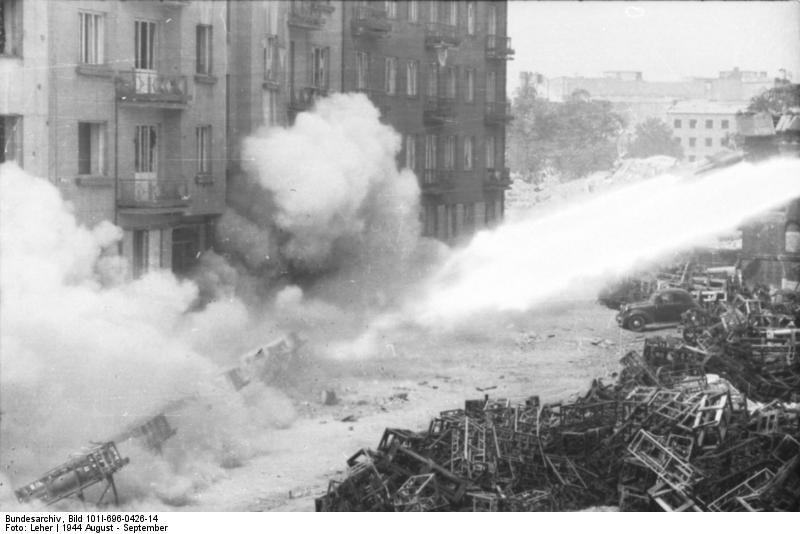 Reportage - Bundesarchiv - Raketenwerfer !!!  Bundes74
