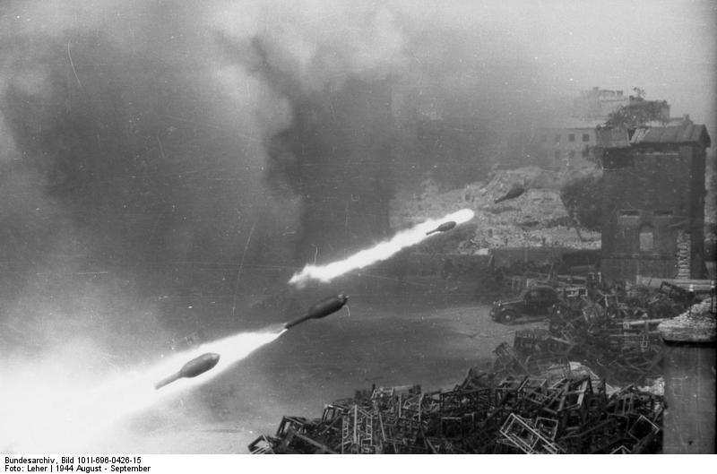 Reportage - Bundesarchiv - Raketenwerfer !!!  Bundes76