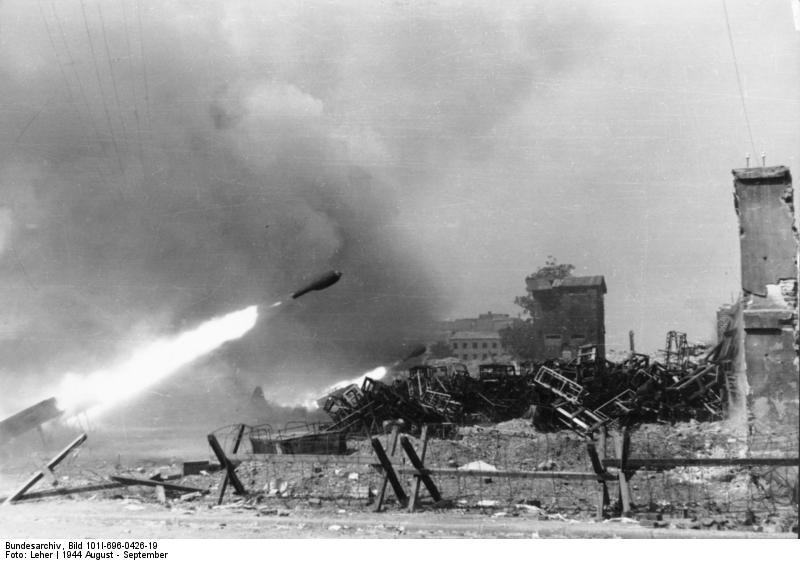Reportage - Bundesarchiv - Raketenwerfer !!!  Bundes78