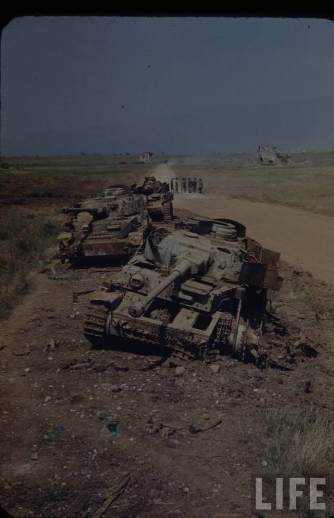 Panzer Wreck in Color !!! C4-110